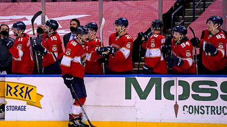 Aleksander Barkov teki Floridan kolmannen maalin tyhjään maaliin 3–1-voittoon päättyneessä ottelussa Dallas Starsia vastaan.