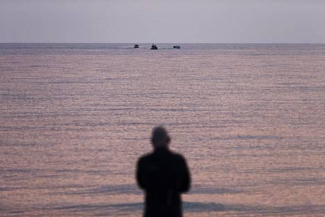 Pakolaiset saapuivat maaliskuussa Kreikan Lesbos-saarelle.