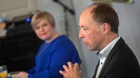 Jussi Halla-ahon johtama perussuomalaiset on tuoreen mittauksen mukaan Suomen suosituin puolue. Annika Saarikon keskusta on neljännellä sijalla.