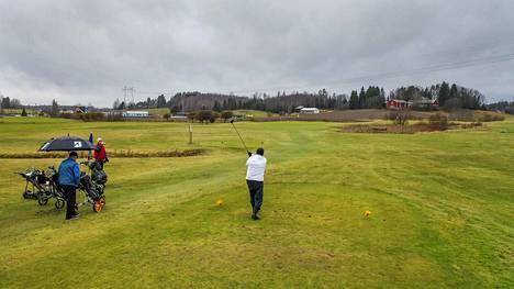Golfin pelaajia Vihdissä tammikuussa 2020.