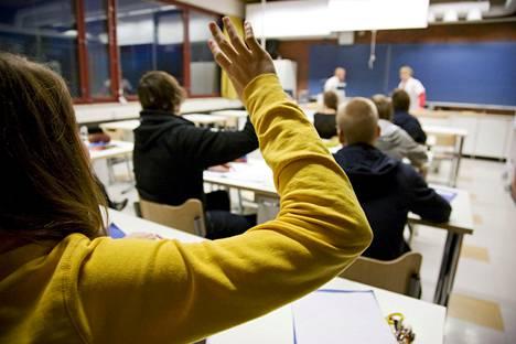 Helsingin ja Lahden kaupungit käyttävät enemmän rahaa 7-9-luokkalaisia kohden kuin kaupunkien yksityiset koulut.