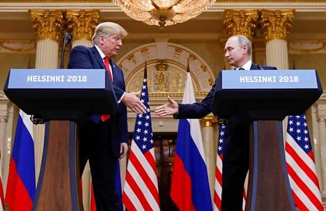 Yhdysvaltain presidentti Donald Trump (vas.) ja Venäjän presidentti Vladimir Putin tapasivat Helsingissä heinäkuussa. Tällä viikolla presidenttien on määrä tavata Buenos Airesissa.