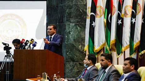 Uusi pääministeri Abdul Hamid Dbeibah puhui parlamentin istunnossa Sirtessä tiistaina.