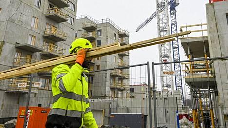 LKS 20210324 Rakennustyömaa Niittykummussa Espoossa 24. maaliskuuta 2021. LEHTIKUVA / MARKKU ULANDER Instructions: STT:N JUTTUUN Rakennusala näyttää selviävän koronakriisistä maltillisella nuupahduksella, etujärjestö ennustaa Rakennusteollisuus RT:n kevään suhdannekatsaus julki