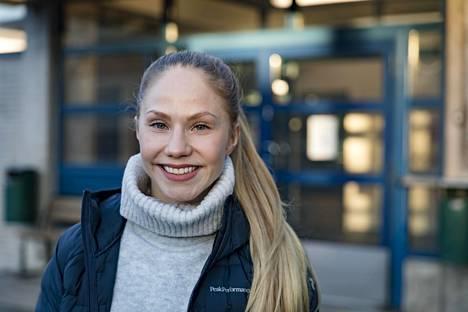 """""""Haluan jutella hankalistakin asioista avoimesti, kuten ketkä saavat kisapaikan joukkueesta ja miksi"""", Laura Spiridovitsh sanoo."""