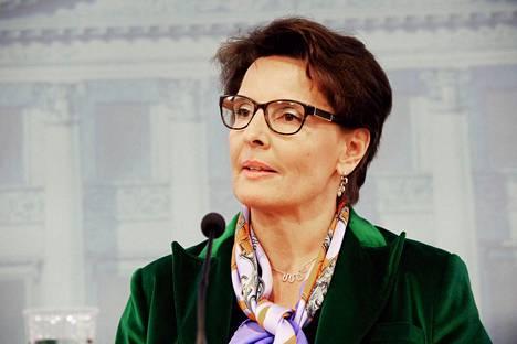 Liikenne- ja viestintäministeri Anne Berner (kesk) ei voi edistää hankeyhtiöitä.