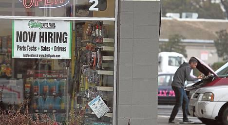 San Rafaelissa Kaliforniassa sijaitseva autoliike O'Reilly haki marraskuussa lisää työntekijöitä.