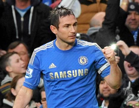 Franka Lampard tuuletti juhlamaaliaan.
