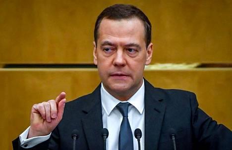 Dmitri Medvedev puhui Venäjän parlamentissa huhtikuussa.