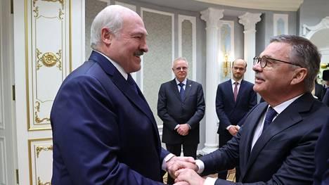 Aljaksandr Lukašenka ja René Fasel tapasivat maanantaina Minskissä.