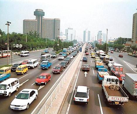 Autojen myynti kovassa kasvussa Kiinassa