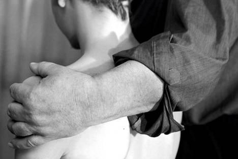 Ihmiskauppaepäilyjä heräsi vuonna 2013, kun alaikäisiä turvapaikanhakijoita katosi. Kuvan henkilöt eivät liity tapaukseen.