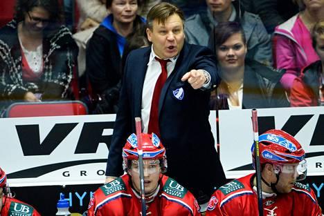 Raimo Summanen sai potkut HIFK:sta viisi kierrosta ennen runkosarjan päätöstä.