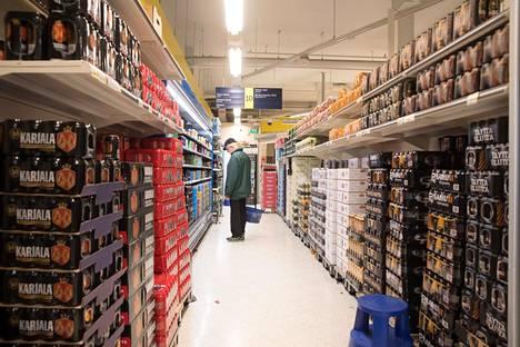 Alkoholijuomien hinnat nousevat ensi vuonna.