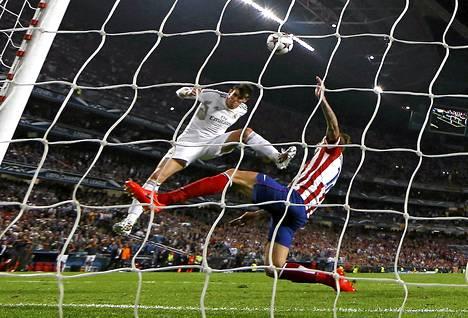 Gareth Bale puski Realille Mestarien liigan voiton tuoneen 2-1-maalin.