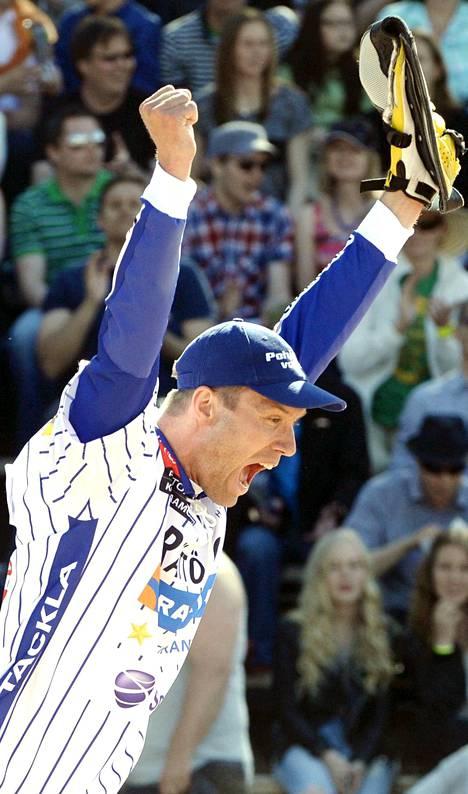 Lukkari Topi Kosonen jatkoi vahvoja arvo-otteluitaan.