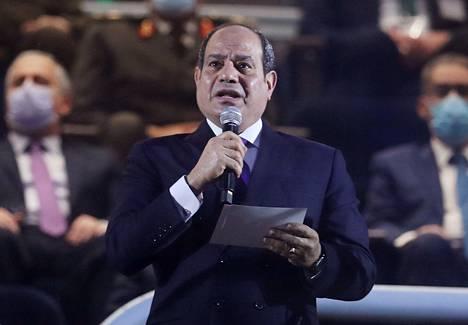 Egyptin demokratiakehitys ja ihmisoikeuksien kunnioittaminen ovat ottaneet takapakkia sen jälkeen kun valtaan nousi sotamarsalkka Abdel Fattah al-Sisi. Presidentti al-Sisi puhui käsipallon maailmanmestaruuskisoissa Kairossa 13. tammikuuta 2021.