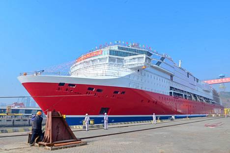 Viking Linen uusi laiva Glory valmistuu telakalla Kiinassa. Sen on määrä olla valmis tämän vuoden lopussa, jolloin se ajetaan Suomeen. Matka kestää noin kuukauden.