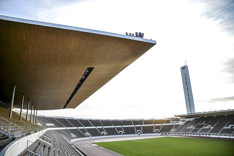 Olympiastadionin katsomot katetaan remontissa, mutta katsojat eivät ole tämänkään jälkeen kunnolla suojassa säältä.