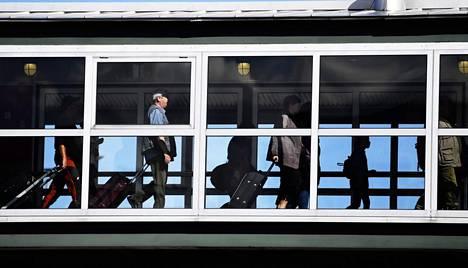 Laivayhtiö Tallink Siljassa uskotaan, että työmatkaliikenne voitaisiin järjestää koronaturvallisesti.