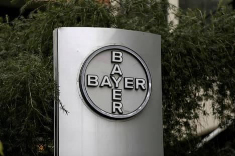 Saksalaisen kemianjätti Bayerin logo sen Venezuelan pääkonttorissa Caracasissa.