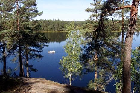 Teijo is allowed to fish in Matildanjärvi with the special permission of Metsähallitus.