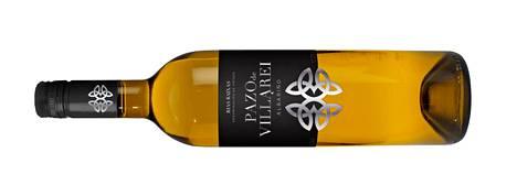 Pazo de Villarei Albariño 2018 -viinin pitkässä maussa tulee ensin esiin kypsää omenaa ja persikkaa, sitten greippiä.