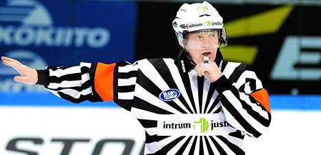 Pelaajen SM-liigan parhaaksi tuomariksi äänestämä Jari Levonen uskoo finaalisarjan venyvän ainakin kuuteen otteluun.