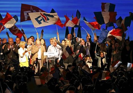 Ranskan Kansallisen rintaman kesäkokous Marseillessa syyskuussa. Keskellä puoluejohtaja Marine Le Pen.