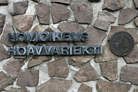 Rovaniemen hovioikeus vahvisti vanhusta huijanneen yrittäjän tuomion.
