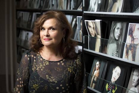 """""""Mallintyö on usein vain välivaihe ihmisen elämässä hänen matkallaan johonkin muuhun"""", määrittelee mallitoimisto Paparazzin toimitusjohtaja Laila Snellman."""