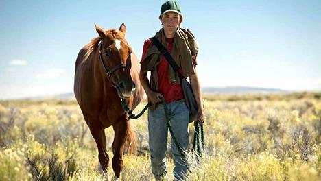Ystävystyminen Lean on Pete -nimisen hevosen kanssa sysää 15-vuotiaan Charleyn (Charlie Plummer) yksinäisen elämän uuteen suuntaan.
