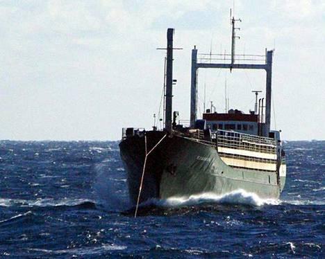 Siirtolaisia kuljettaneessa Ezadeen-laivassa ei ollut miehistöä.