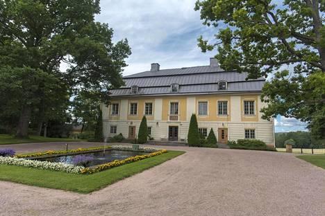 Robert Bremer asui kesät Teijon kartanossa. C.F. Schröderin suunnittelema päärakennus valmistui 1770.