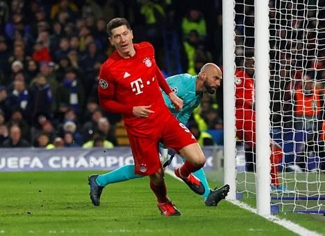 Robert Lewandowski teki kauden 39. maalinsa Chelsea vastaan tiistaina Mestarien liigan ottelussa.