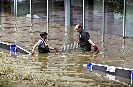 Saksalainen Hallen kaupunki on joutunut veden valtaan.
