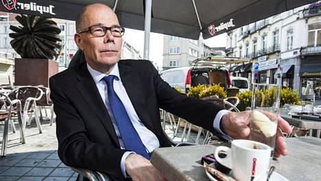 Valtiosihteeri Kare Halonen antoi haastattelun Brysselissä, jossa hän käy noin 15 kertaa vuodessa.