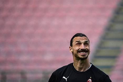 Zlatan Ibrahimović palasi AC Milaniin joulukuussa 2019.