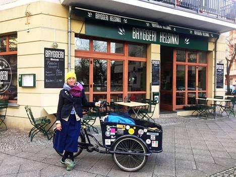 Berliinin Prenzlauer Bergissä asuva Ann-Marie von Löw ei aio jatkossa käydä kotikortteliensa suomalaisessa Bryggeri Helsinki -ravintolassa, koska sen omistaja toimii SS-sotilaiden veteraaniyhdistyksessä.