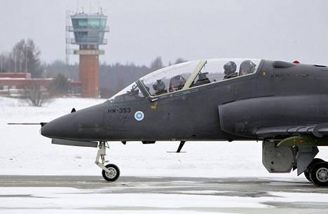 Sveitsiläinen ilmailumuseo saa Suomesta Hawk-koneen.