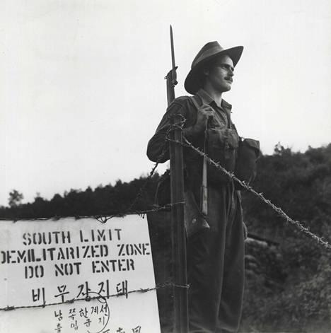 Aselevon myötä Koreoiden rajalle Panmunjomiin perustettiin demilitarisoitu vyöhyke. Elokuussa 1953 rajaa valvoi australialainen sotilas, nykyisin alue on ollut Pohjois-Korean ja YK:n, käytännössä Yhdysvaltojen ja Etelä-Korean, valvonnassa.