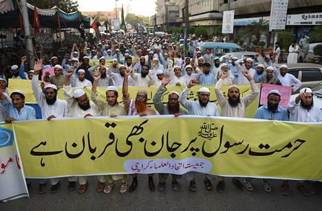 Kristityn naisen vapauttamisen jälkeen Pakistanissa puhkesi laajoja mielenosoituksia.