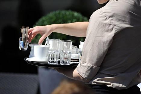 Keskimääräistä enemmän väkivaltaa tai sen uhkaa kohdataan muun muassa hotelli- ja ravintola-alalla.