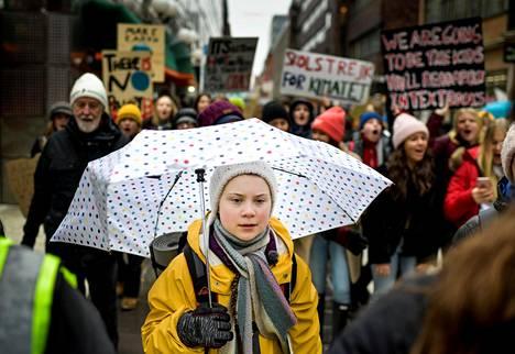 Greta Thunberg marssi ilmaston puolesta Tukholmassa maaliskuussa.