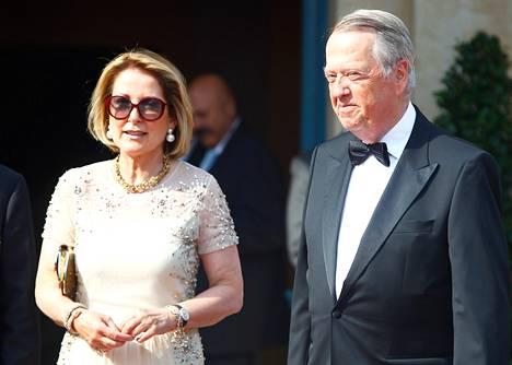 August Oetker ja hänen vaimonsa Alexandra saapumassa Bayreuthin Wagner-festivaaleille heinäkuussa.