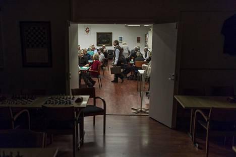 Bridgeareena on Helsingin Pitäjänmäellä sijaitseva bridgen pelipaikka. Puolet tilasta on shakkiliiton vuokraama.