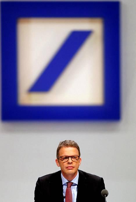 Saksalaisen Deutsche Bankin uusi toimitusjohtaja Christian Sewing pankin vuotuisessa yhtiökokouksessa Frankfurtissa torstaina.
