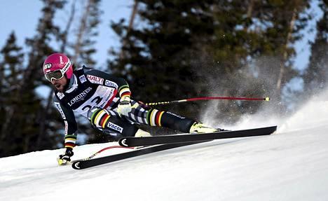 Andreas Romar laskee alppiyhdistetyn syöksylaskussa MM-kisoissa.