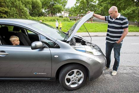 Turkulaisella Vikke Hyvösellä on sähköautostaan kahden vuoden leasing-sopimus.