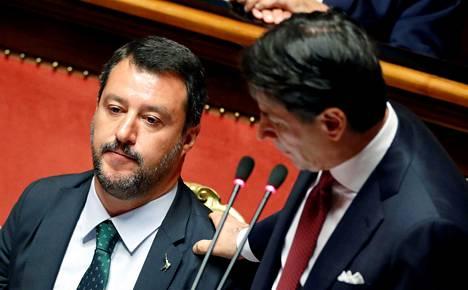 Italian pääministerin tehtävistä luopuva Giuseppe Conte ryöpytti Italian parlamentissa oikeistopopulistisen Legan johtajaa Matteo Salvinia siitä, että tämä ajaa vain omaa etuaan ajaessaan Italiaa hallituskriisiin.